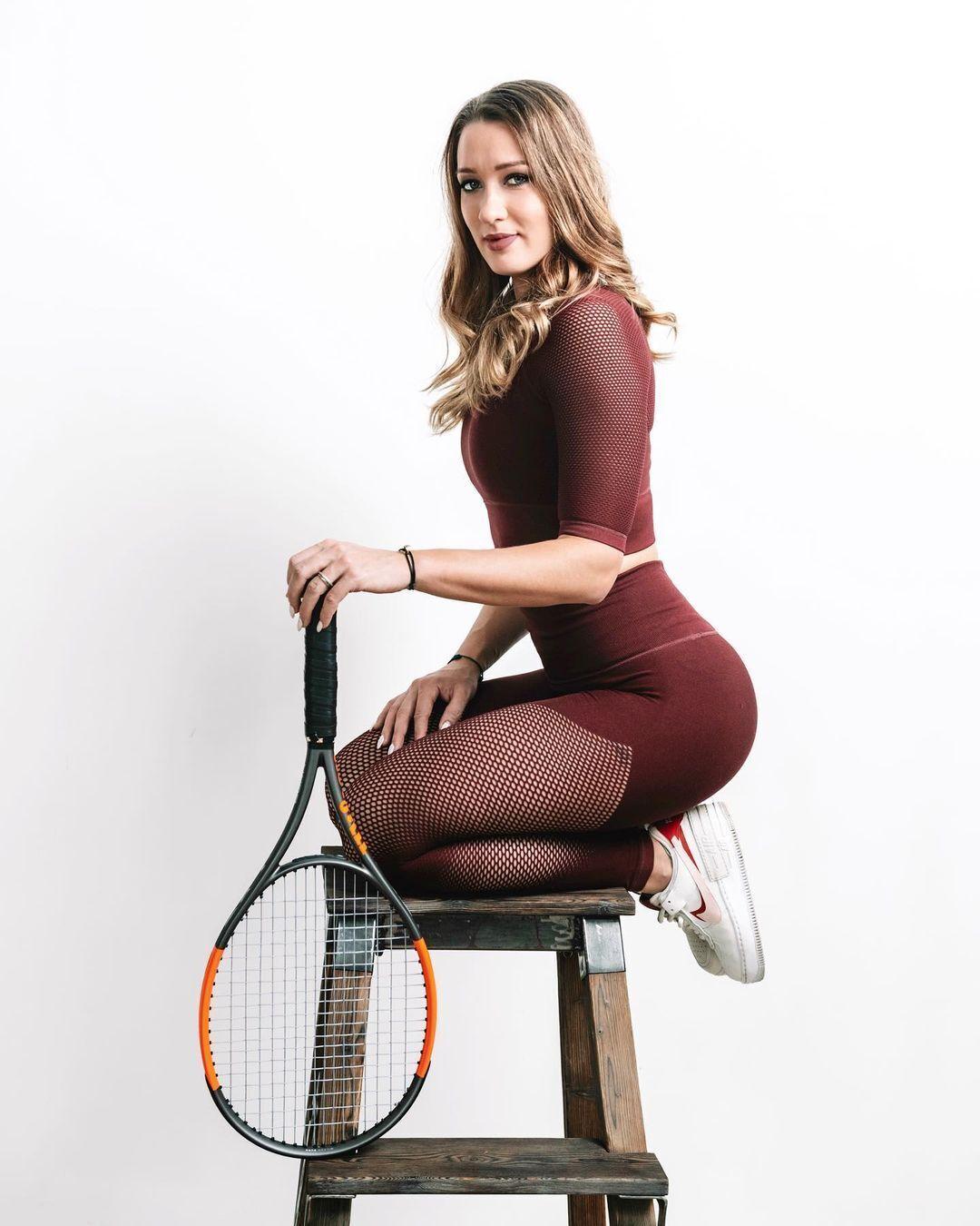 Российская теннисистка Яна Сизикова.