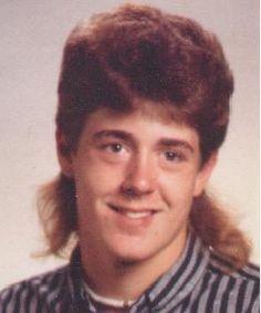 Зачіска була в тренді в 90-х і 2000-х.