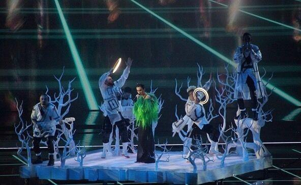 Украинская группа на выступлении на Евровидении 2021