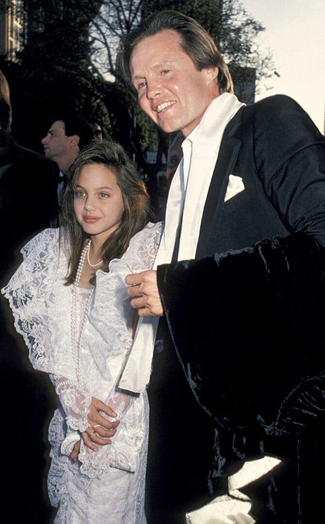 Анджелина Джоли родилась в Лос-Анджелесе