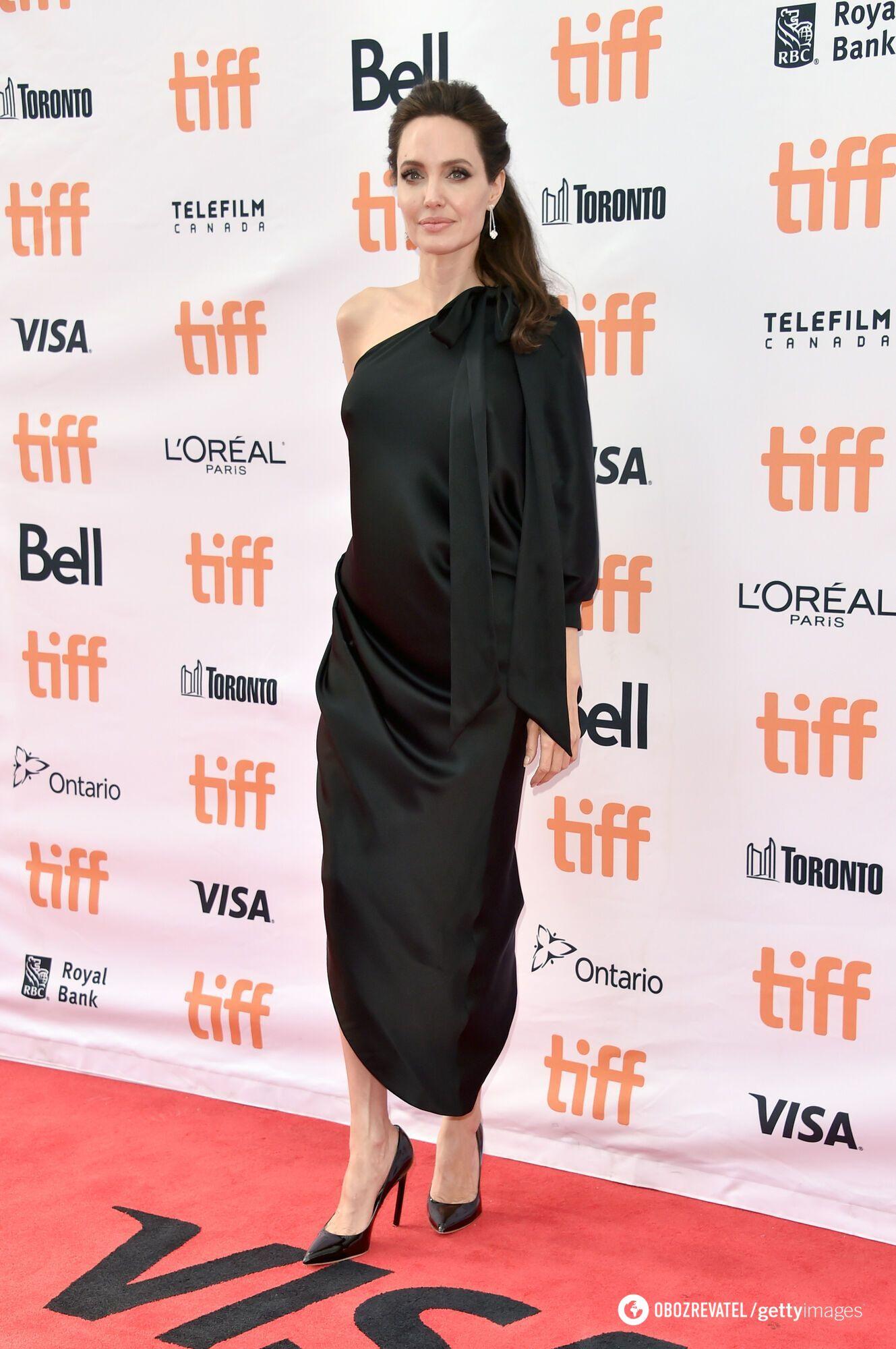 Как сейчас выглядит актриса Джоли