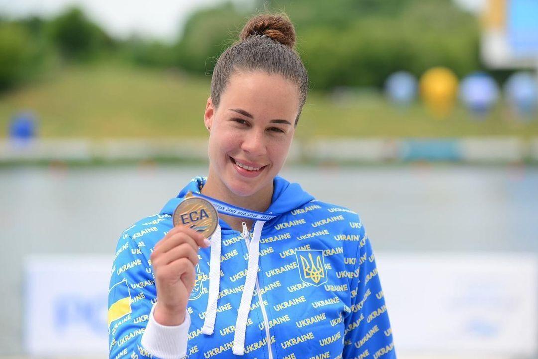 Людмила Лузан із медаллю