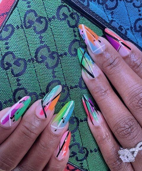 Модний дизайн нігтів