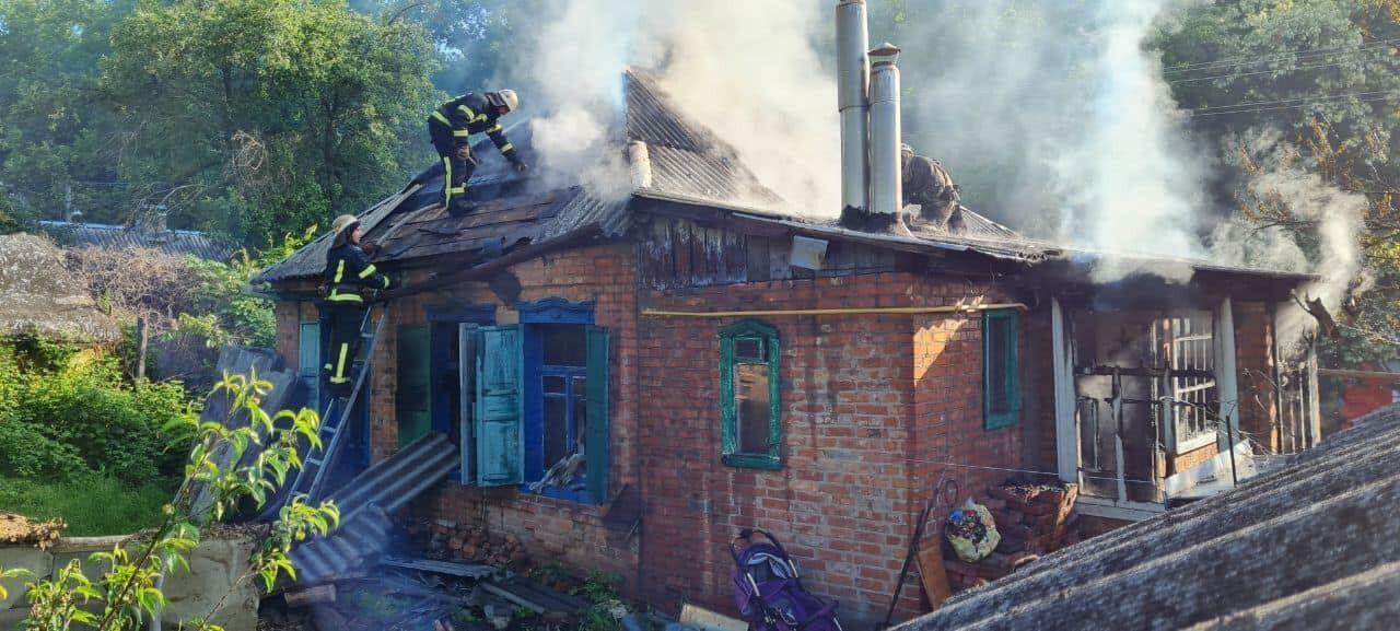 Огонь охватил 60 кв. м. площади дома