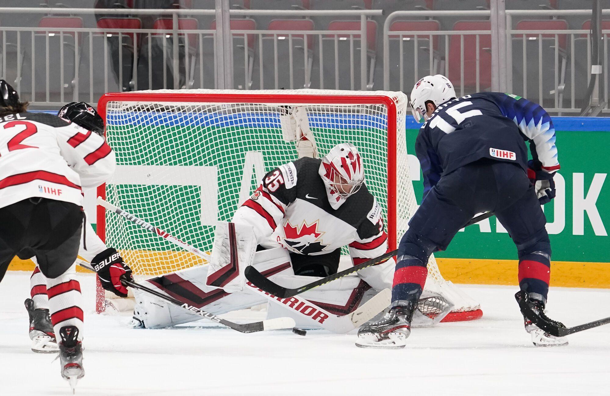 США забросили две шайбы в полуфинале Канаде.
