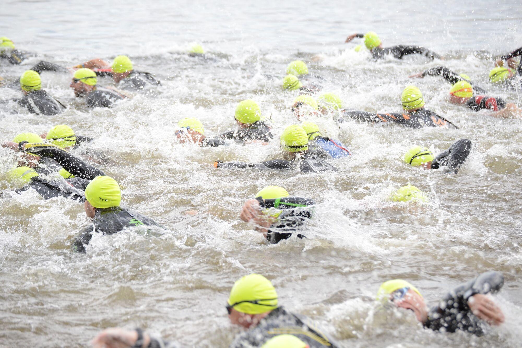 """У """"Dnipro triathlon fest"""" взяла участь рекордна кількість спортсменів-любителів, найстаршому– понад 60 років"""