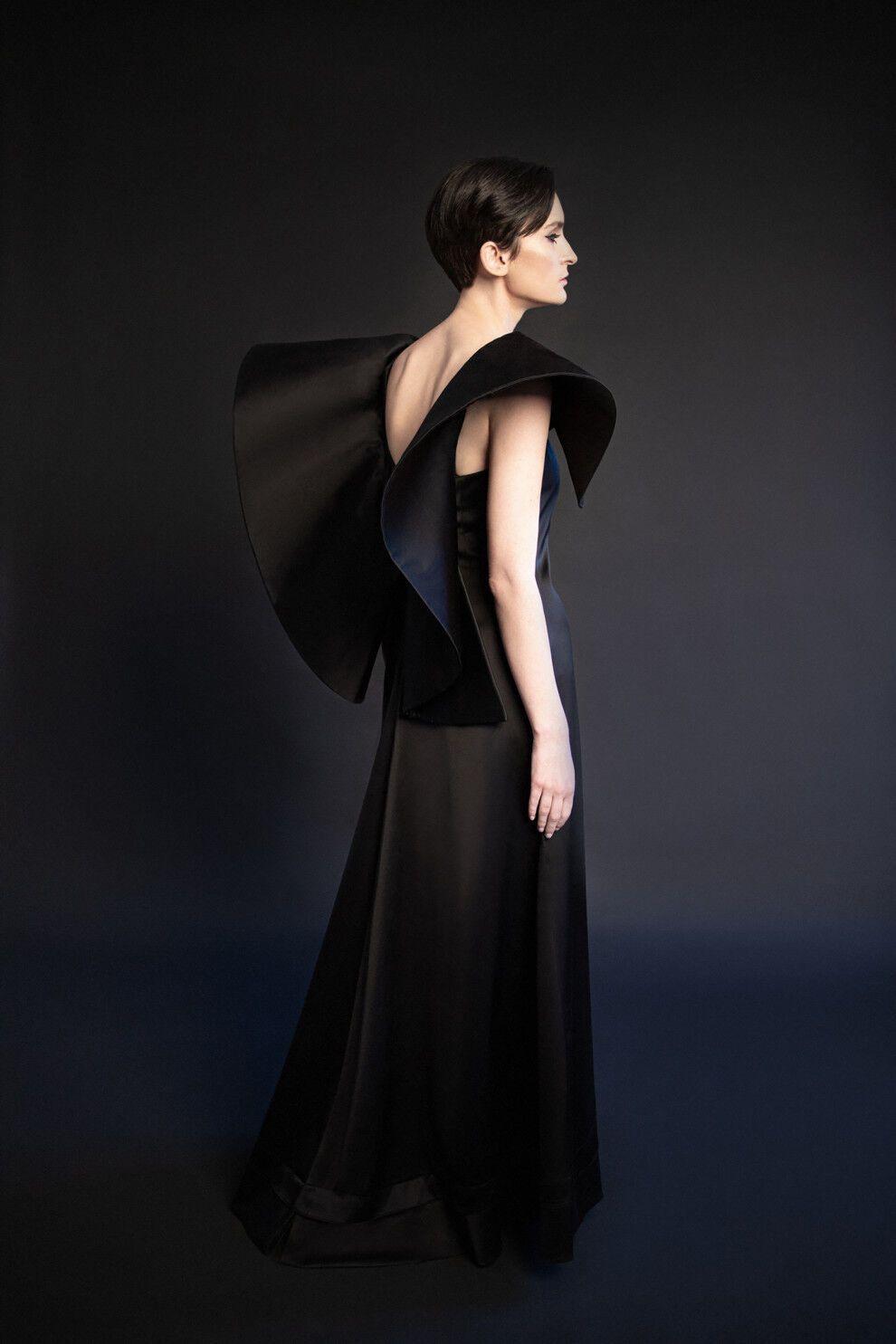 Павленко позувала в довгій сукні з об'ємними рукавами