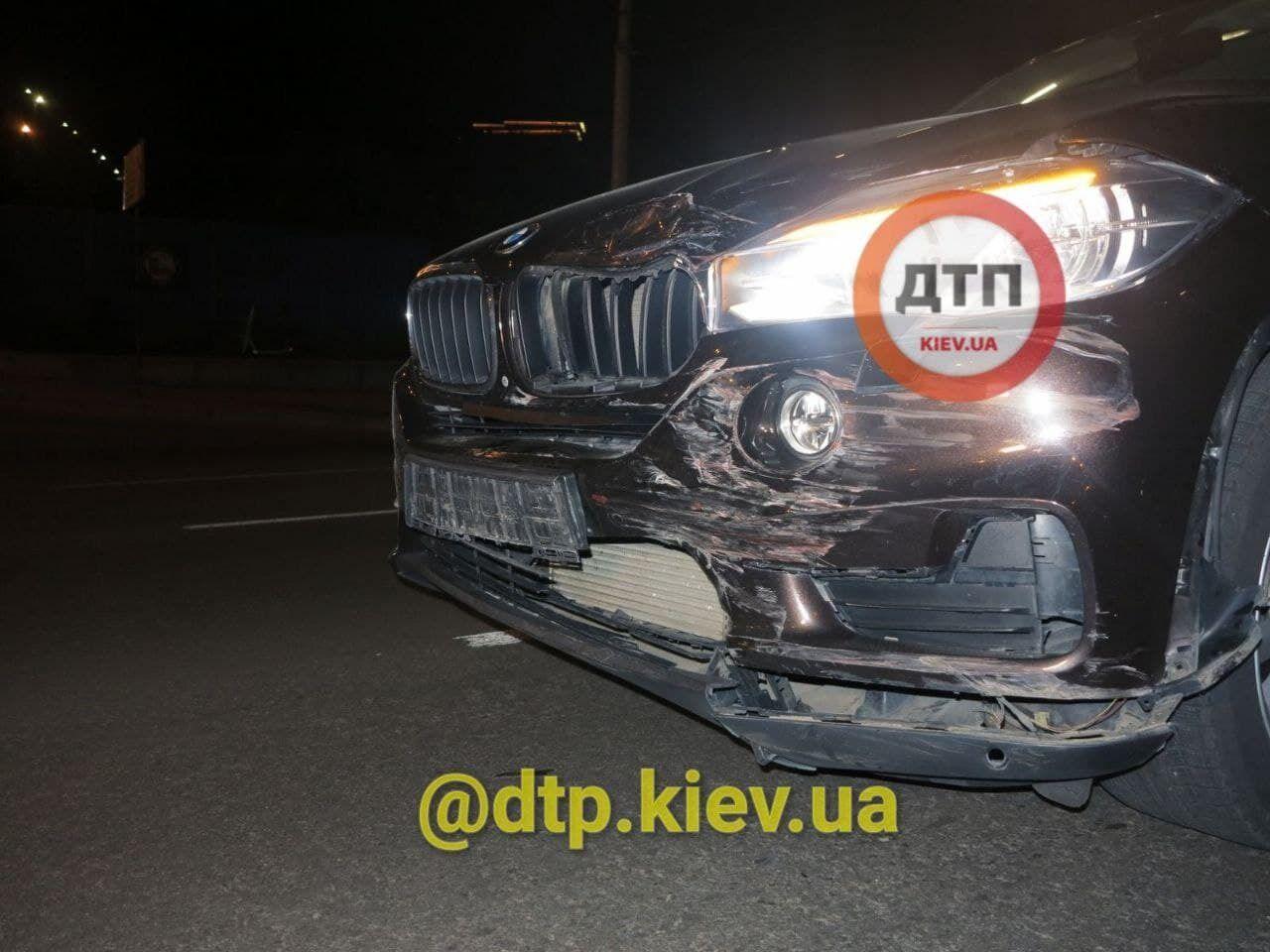 Ford Mondeo врізався в BMW.