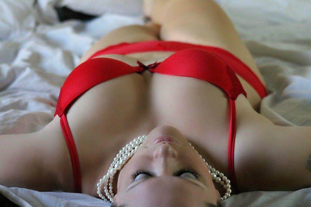 Якщо дівчина фліртує і одягла сексуальне вбрання - вона хоче інтиму