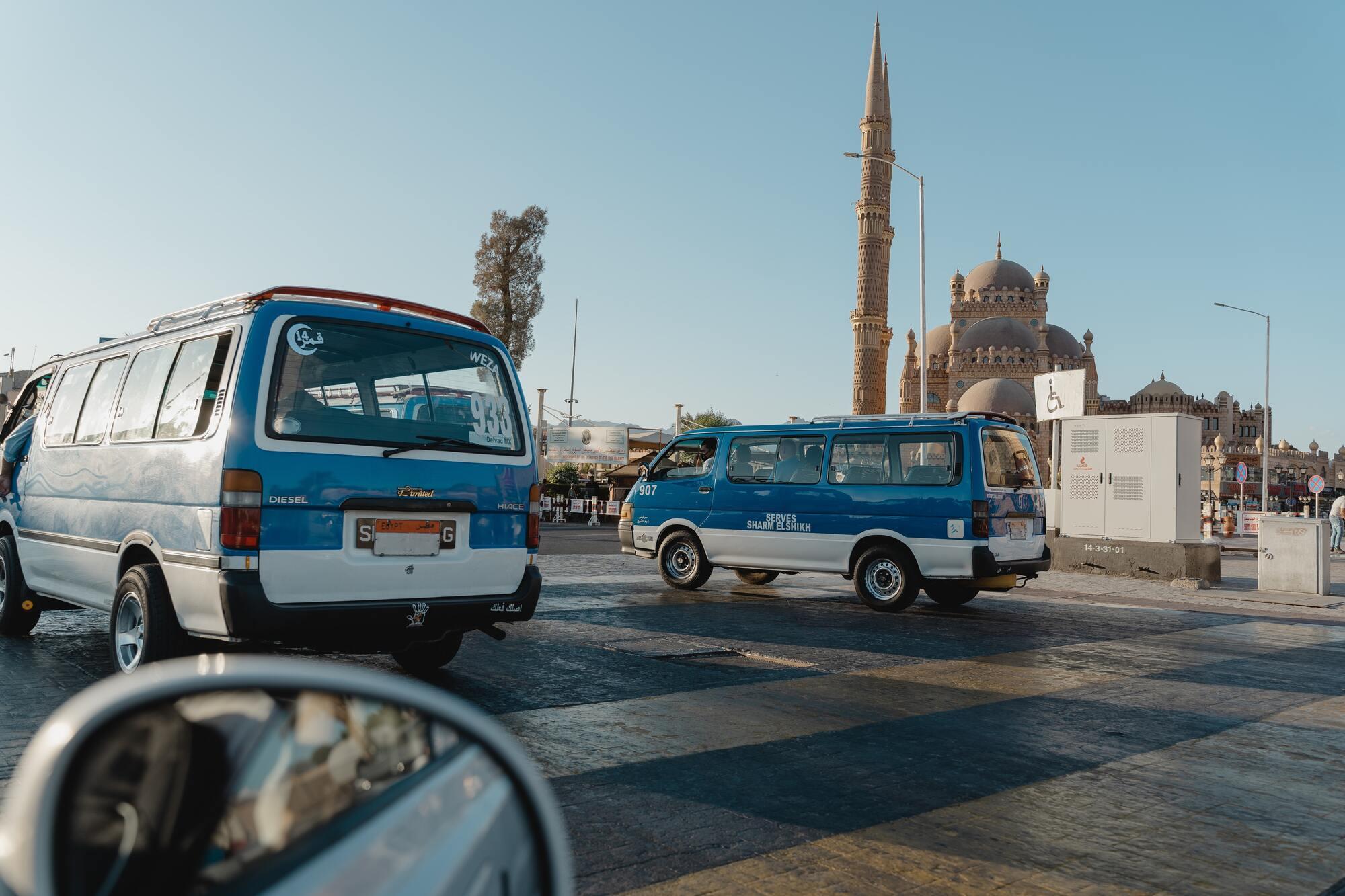 Египтяне хаотично ведут себя на дороге и не придерживаются правил дорожного движения