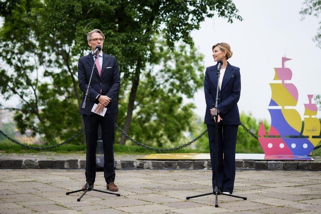 Елена Зеленская встретилась с послом Швеции.