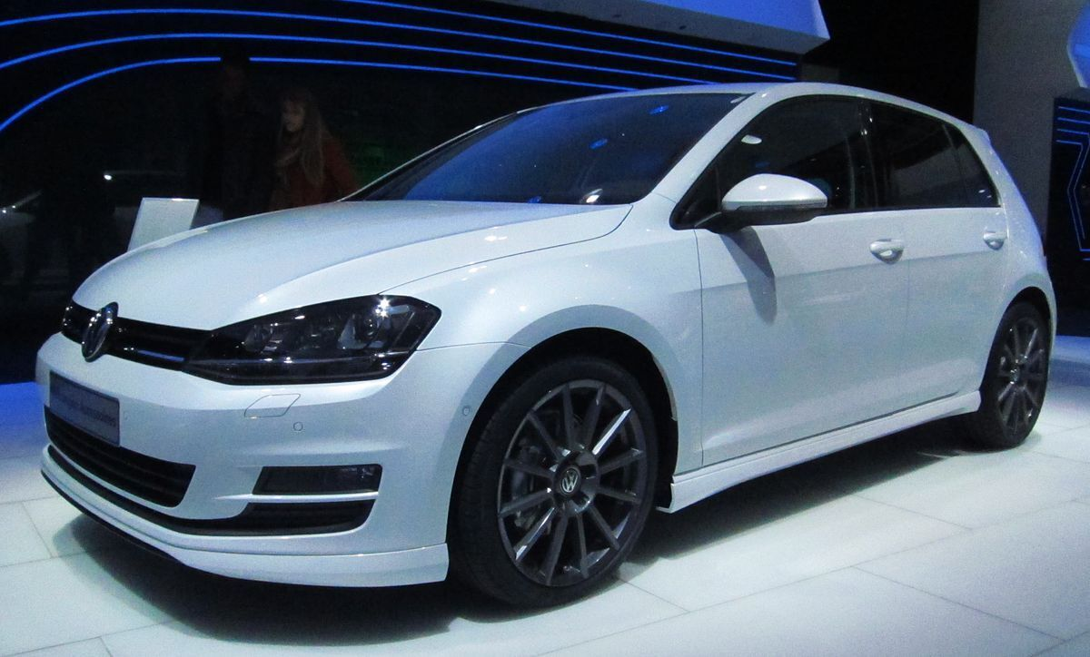 Volkswagen Golf доступен с двумя двигателями