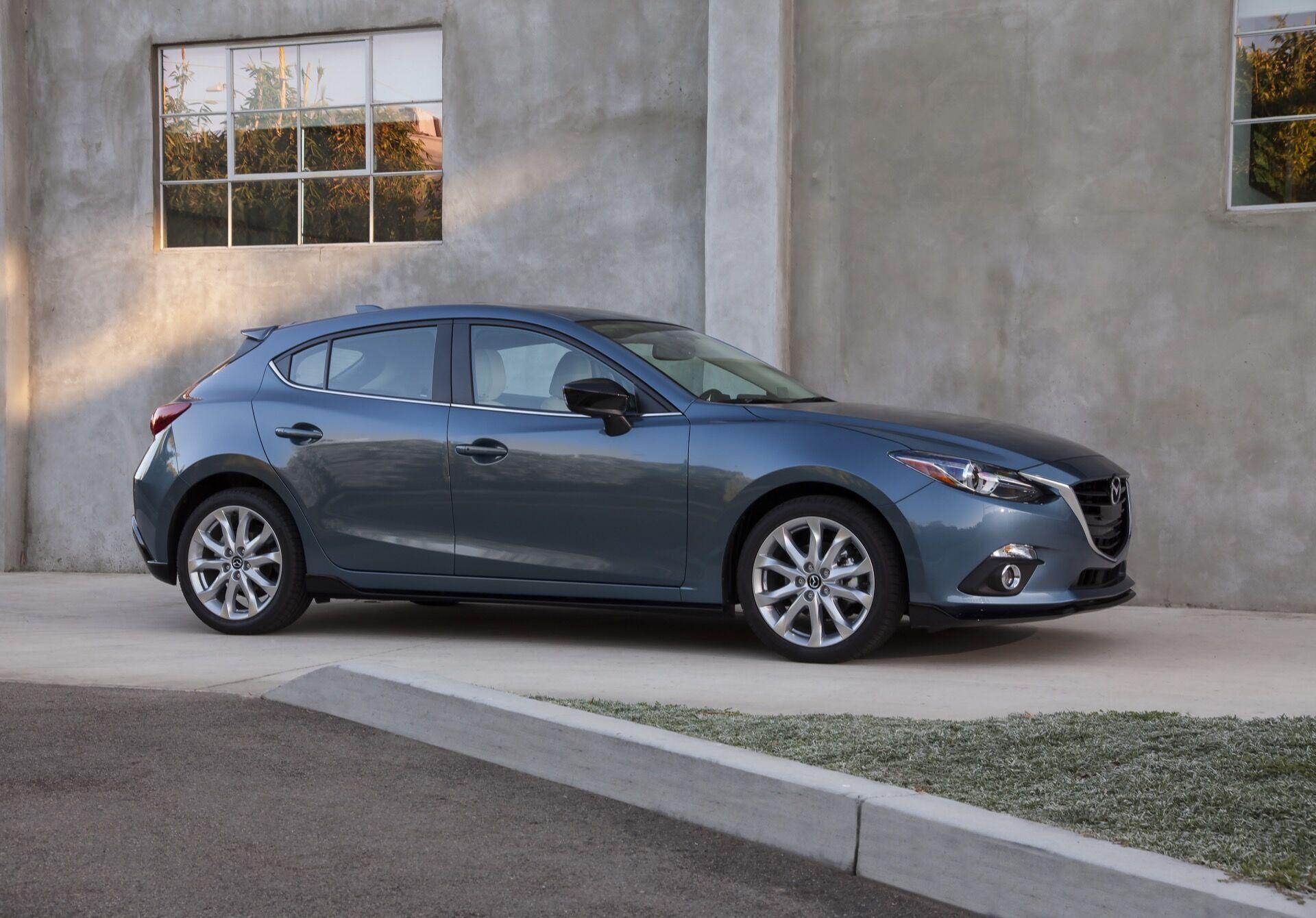 Mazda3 с четырехцилиндровым двигателем и хорошей управляемостью