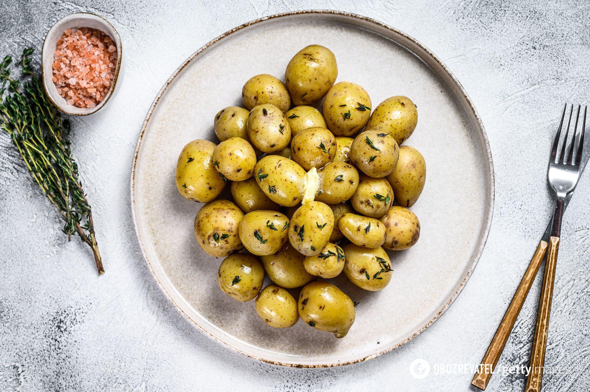 Як смачно приготувати молоду картоплю