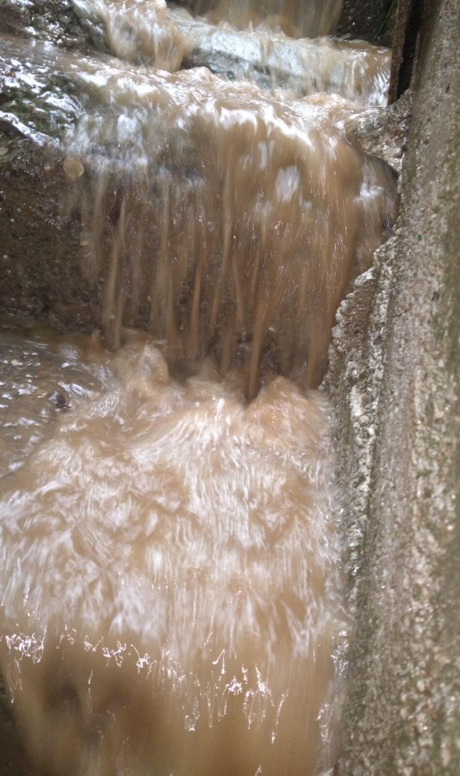 У Харкові пішов град, а Маріуполь і Полтаву затопило. Фото і відео сильної негоди