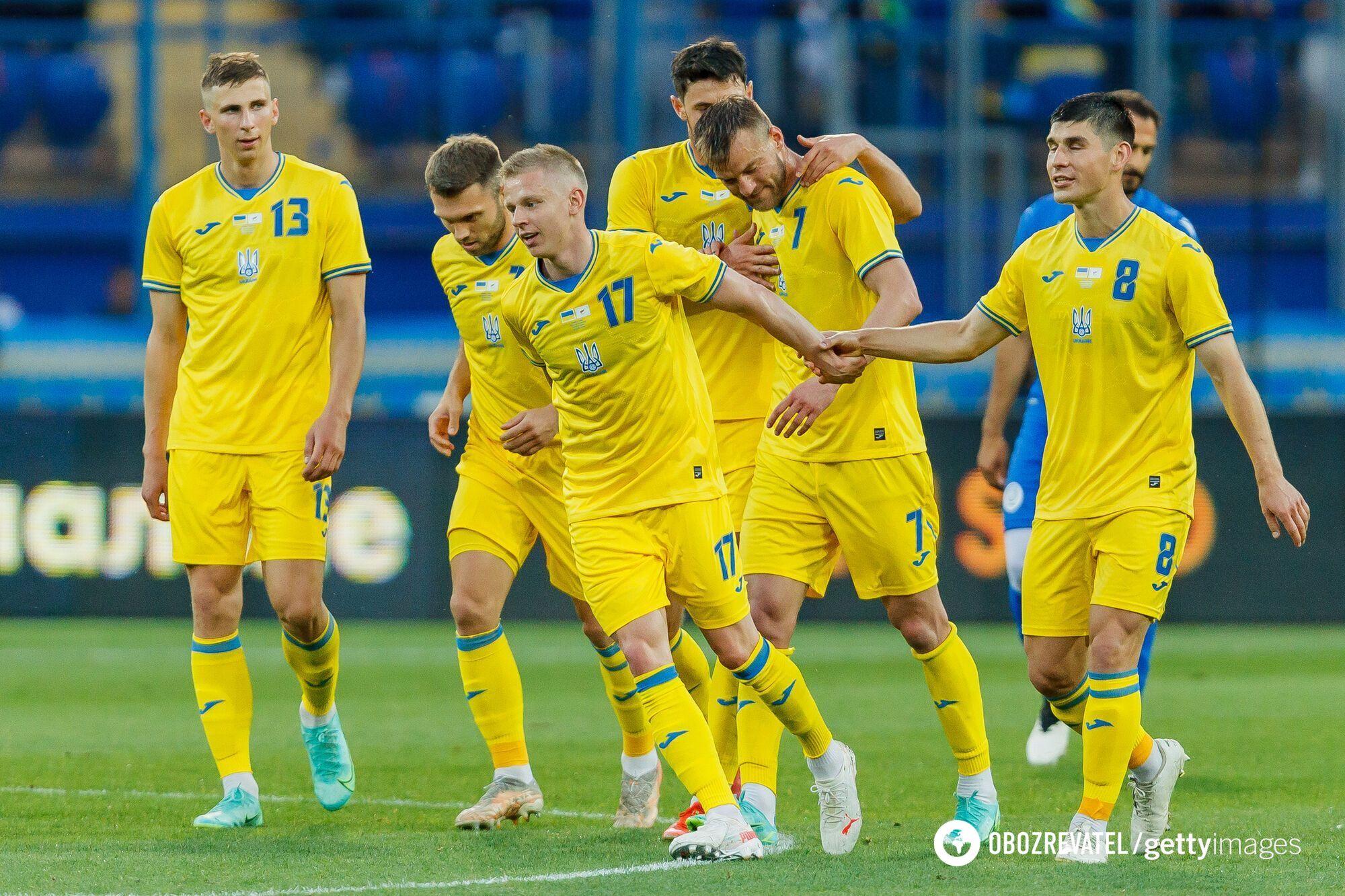 Игроки сборной Украины празднуют гол в ворота Кипра