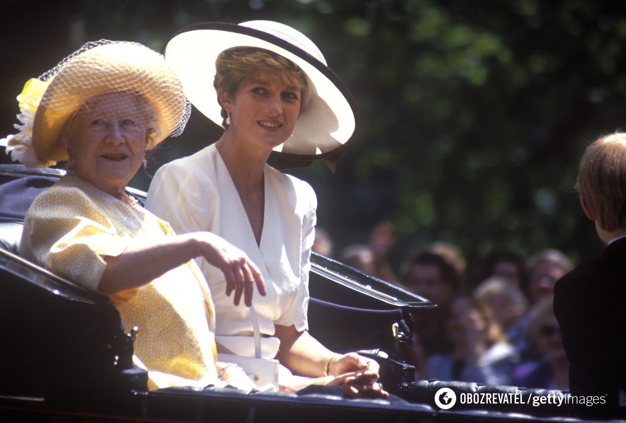 Принцесса Диана вместе с королевой-матерью