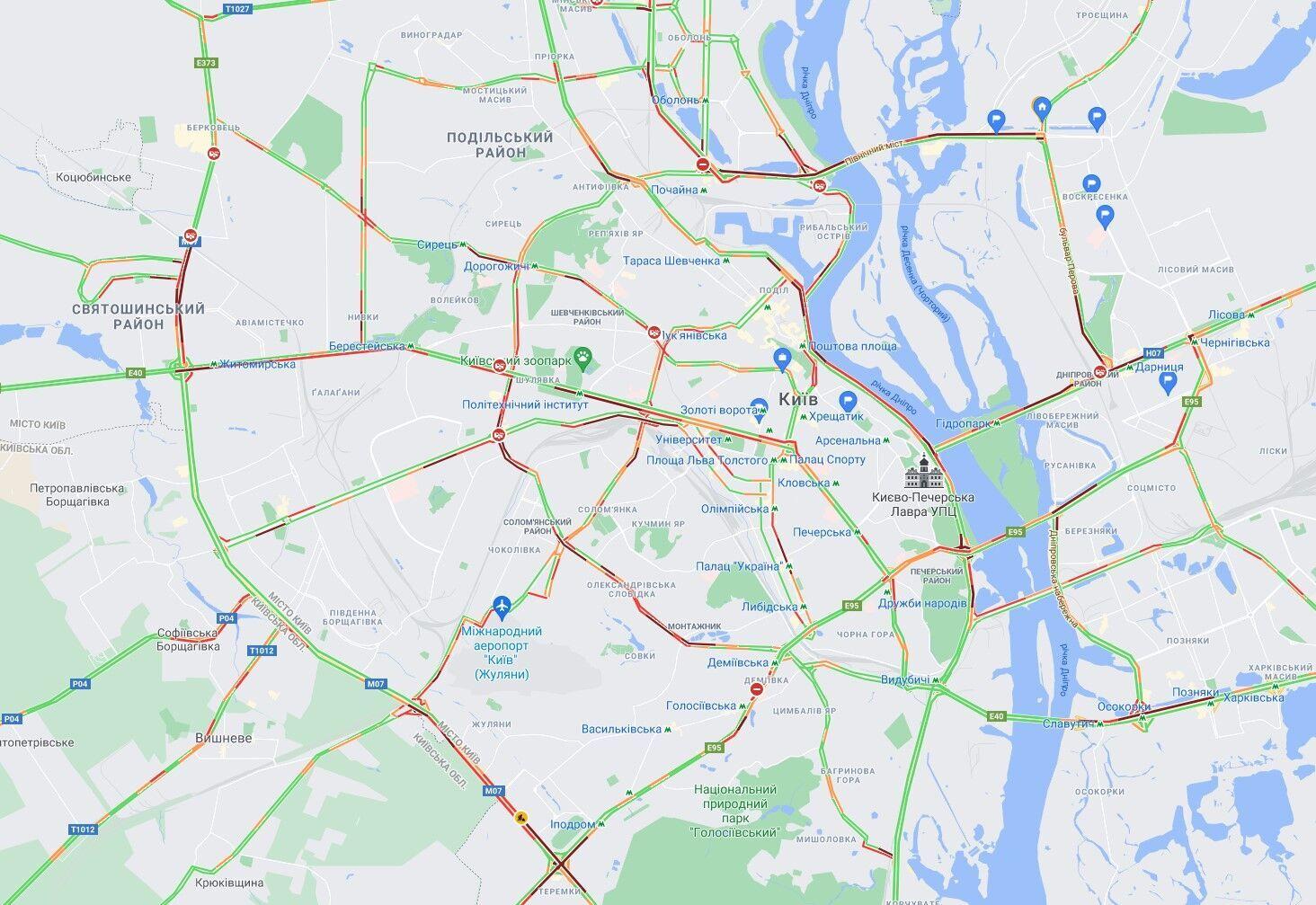 ДТП и ремонты дорог спровоцировали многочисленные пробки в Киеве.