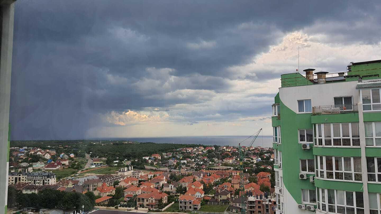 Гроза в Одессе 8 июня.