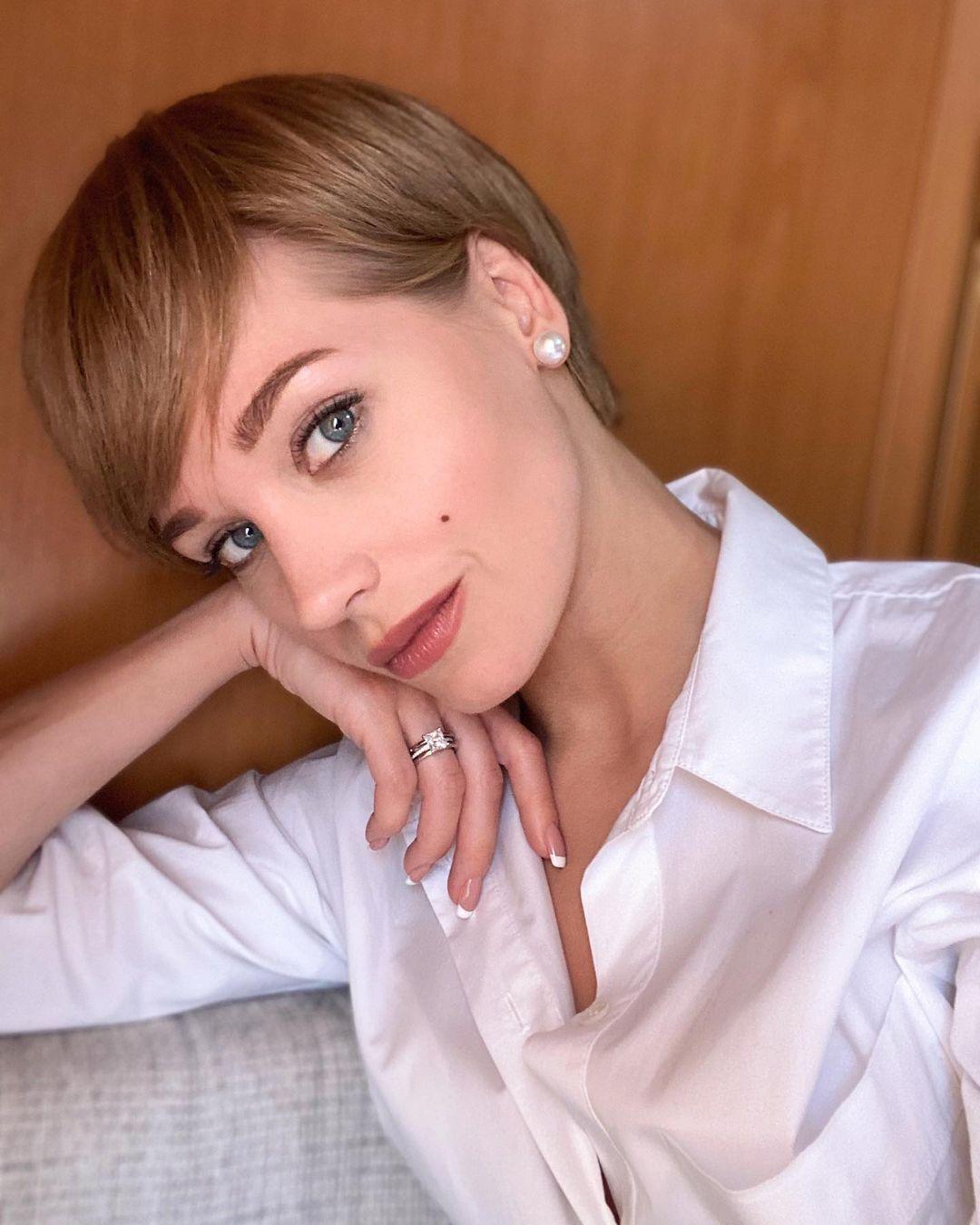 Кристина Асмус прокомментировала развод с Харламовым.