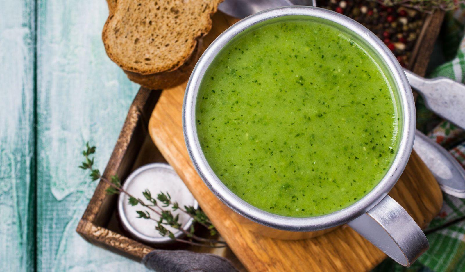 Суп з огірка й ананаса