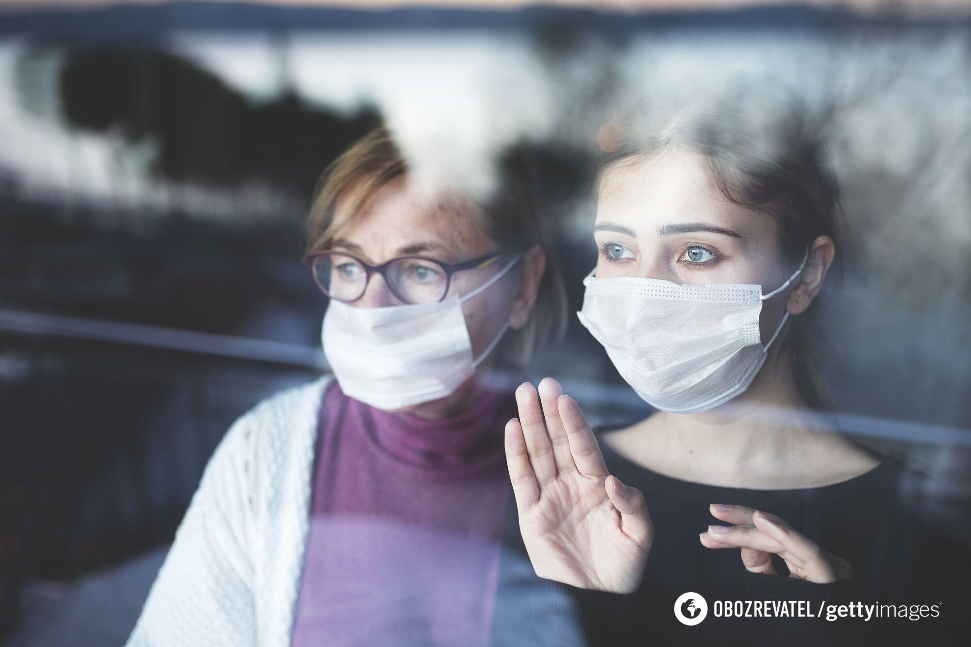 Ученые считают, что люди, которые боятся COVID-19, более критичны к действиям окружающих