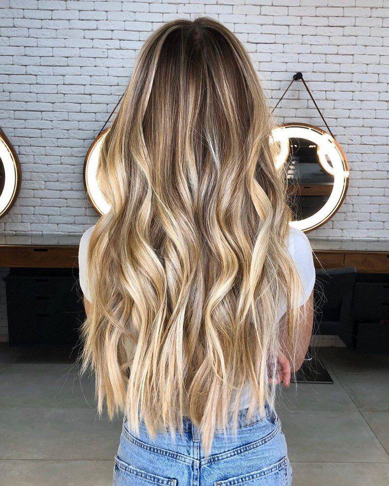 Девушкам с белой кожей подойдут холодные оттенки волос