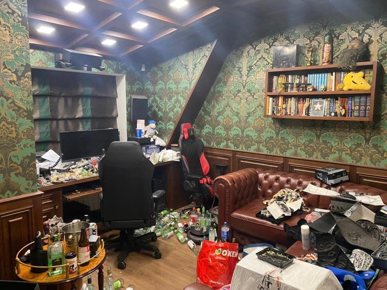 Як виглядає квартира Хованського