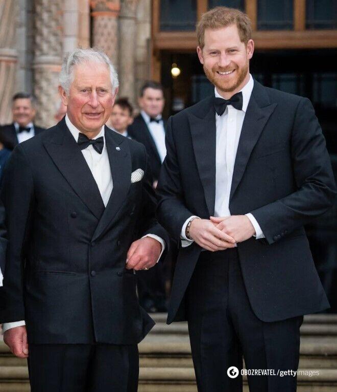 Принц Чарльз і принц Гаррі.