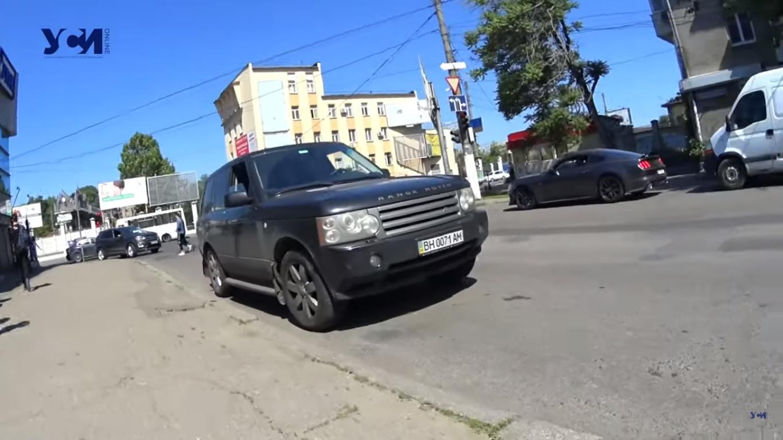 Range Rover збив дівчинку на пішохідному переході