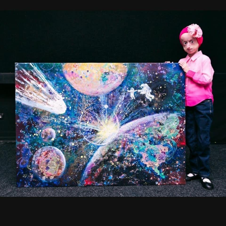 Ірина продавала свої картини на благодійних аукціонах