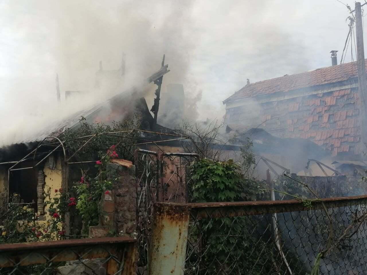 В Авдеевке сгорело несколько домов.
