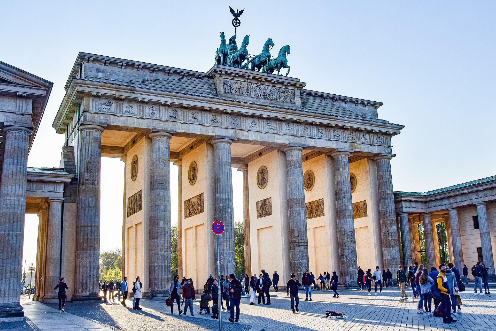 Въезд в Германию тем, кто привился CoronaVac, пока закрыт.