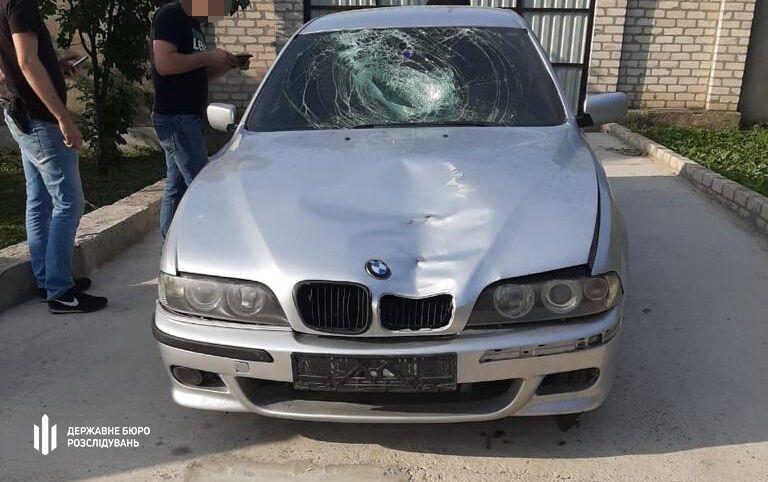 Слідчі ДБР знайшли покинутий автомобіль поліцейського