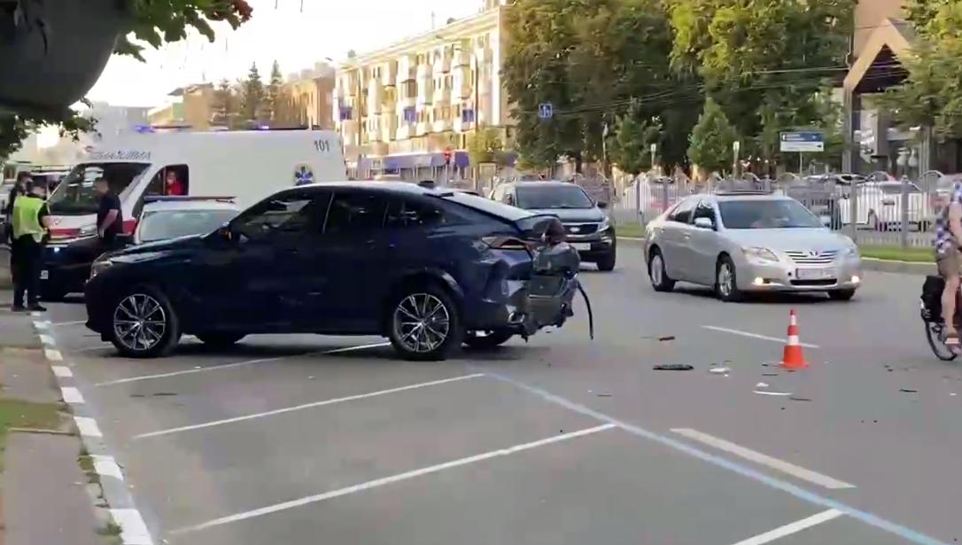У BMW перебувала жінка з дитиною.