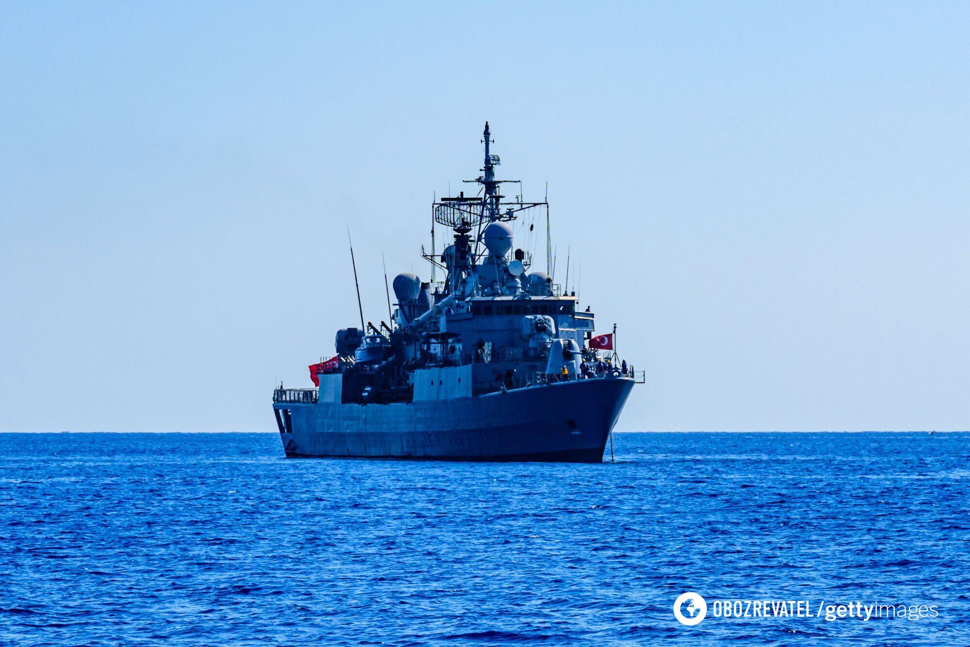 Российские пограничные катера не могли догнать Defender.