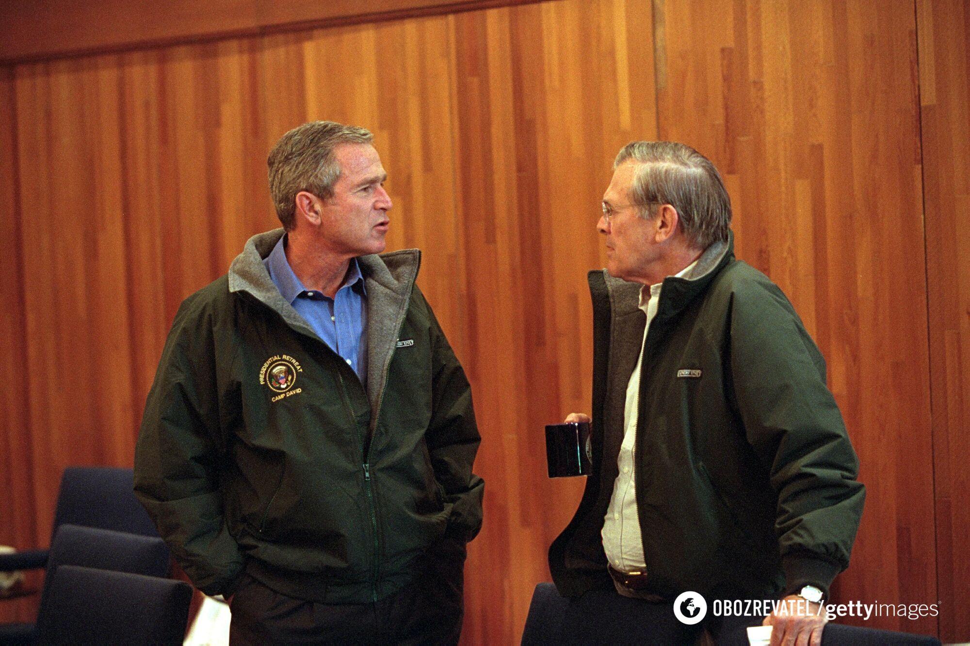 Джордж Буш-молодший і Дональд Рамсфелд