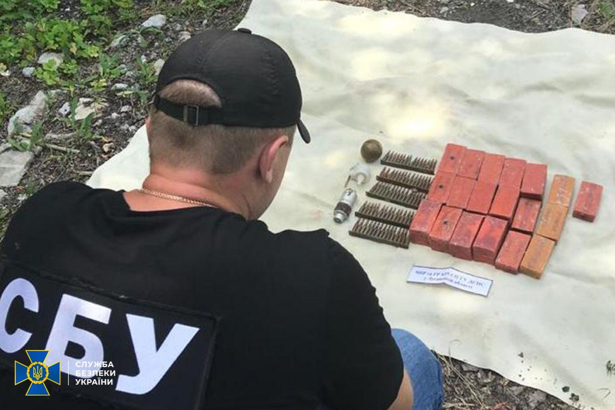 СБУ виявила склад зброї.