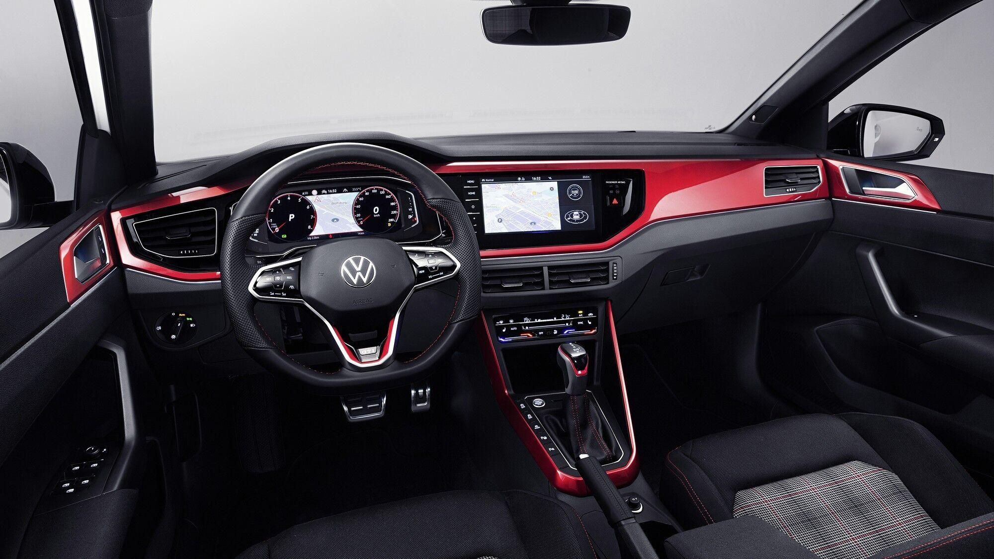 В багату комплектацію Polo GTI увійшли повністю цифрова панель з 10,25-дюймової шкалою приладів