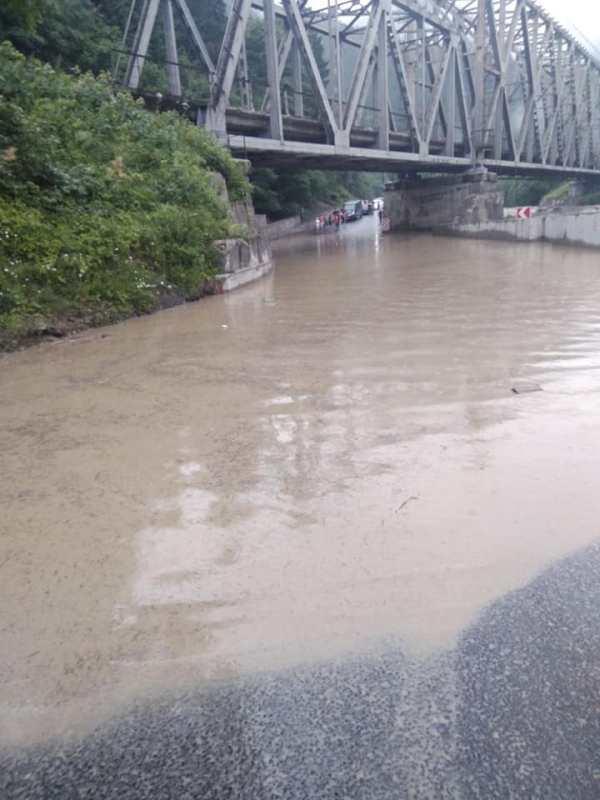 Последствия паводка в поселке Ясиня