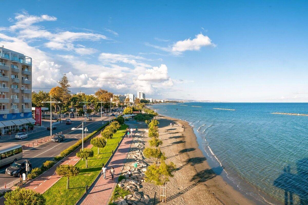 Набережная курорта Лимассол на Кипре