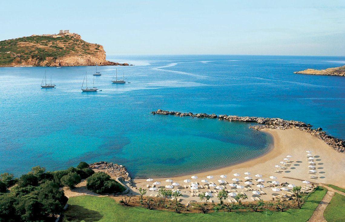 Афинская Ривьера расположилась на побережье Эгейского моря