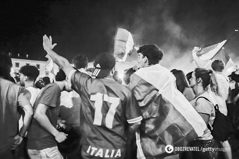 На вулицях Італії масово відсвяткували перемогу на Євро-2020.
