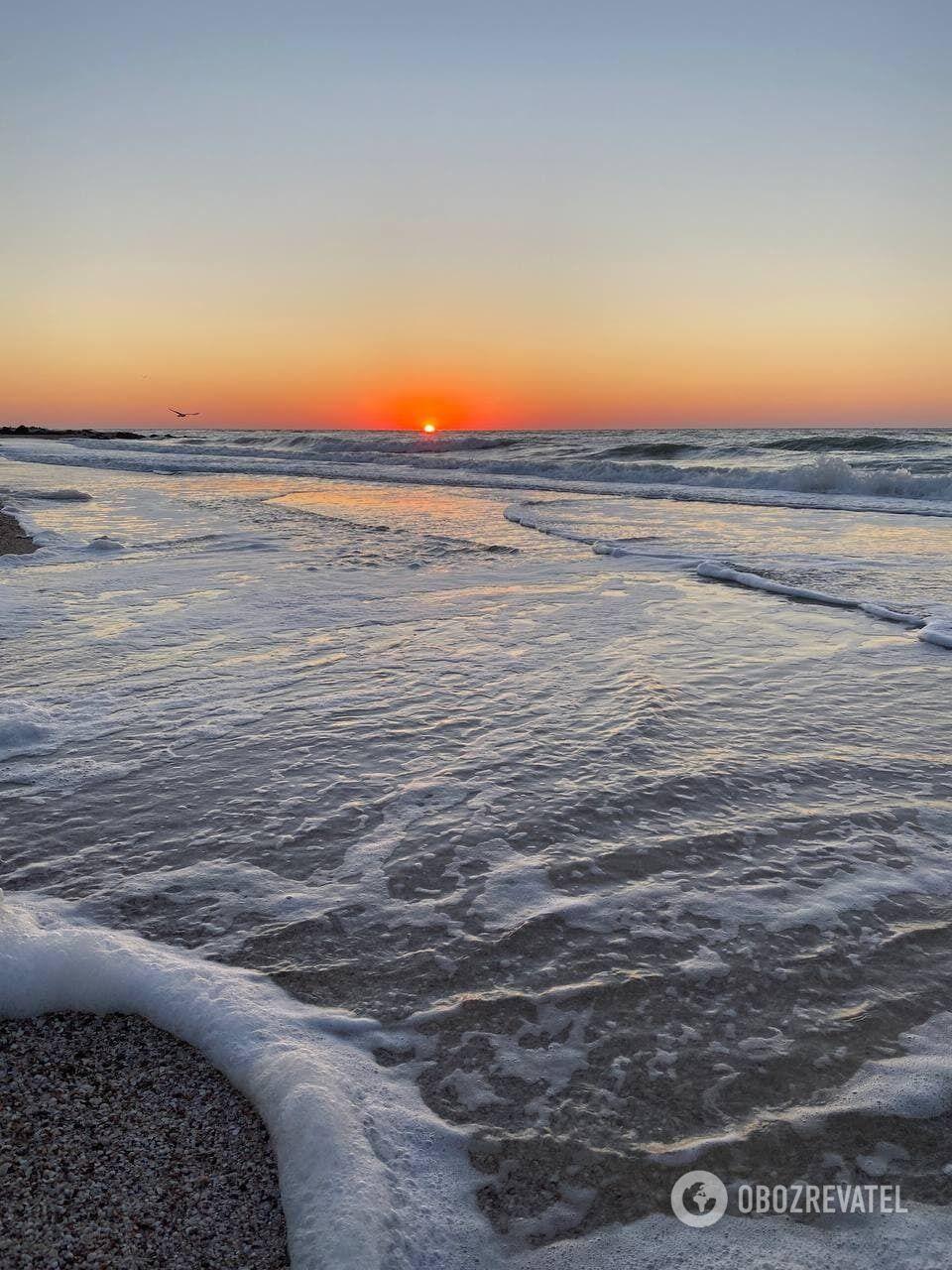 Арабатка славится своей сравнительной дешевизной и спокойным отдыхом вдали от заводов, пыльных шумных дорог и железнодорожных станций