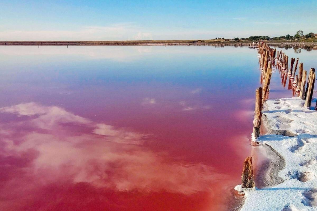 В Херсонской области каждому туристу стоит посетить розовое озеро Лемурийское