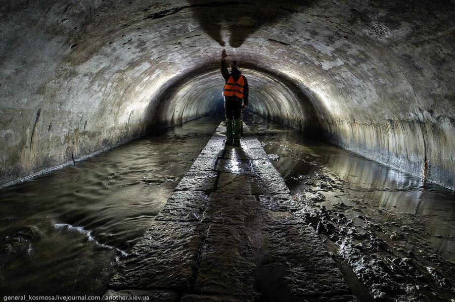 Підземелля струмка вважаються одними з найкрасивіших підземель столиці.