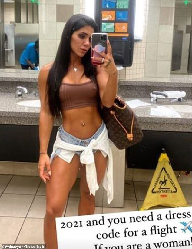Деніз Сайпінар в одязі, в якій її не пустили на рейс