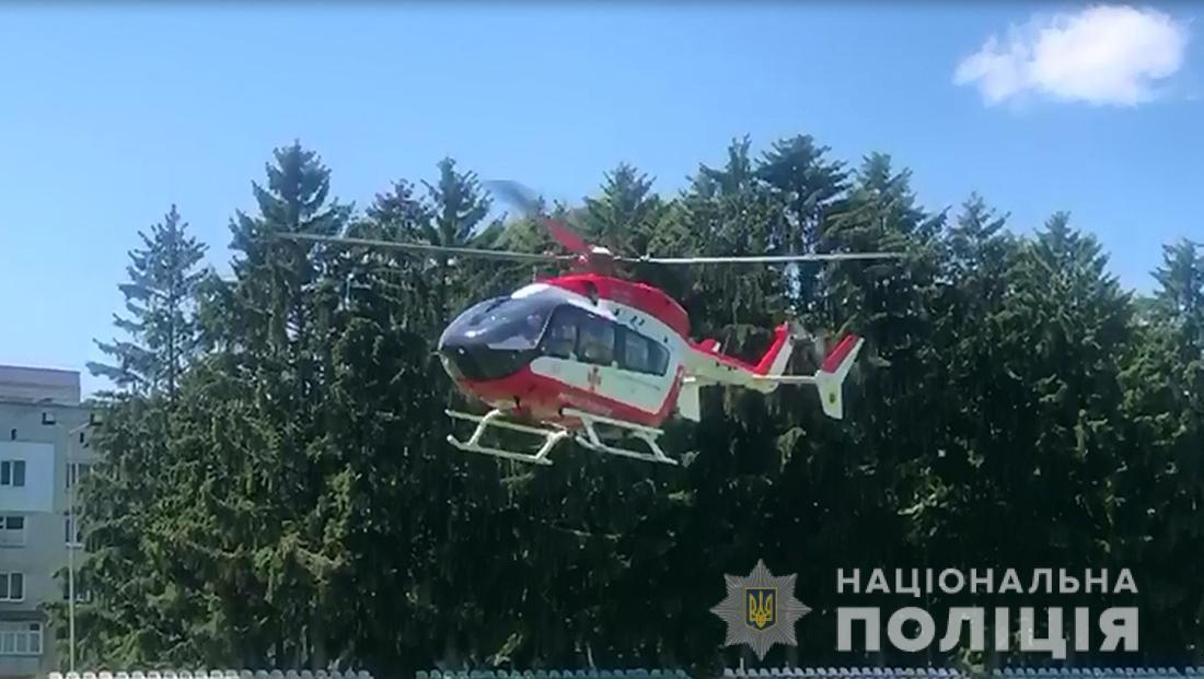 """Поранену дитину доправили в """"Охматдит"""" гелікоптером Системи авіаційної безпеки МВС"""
