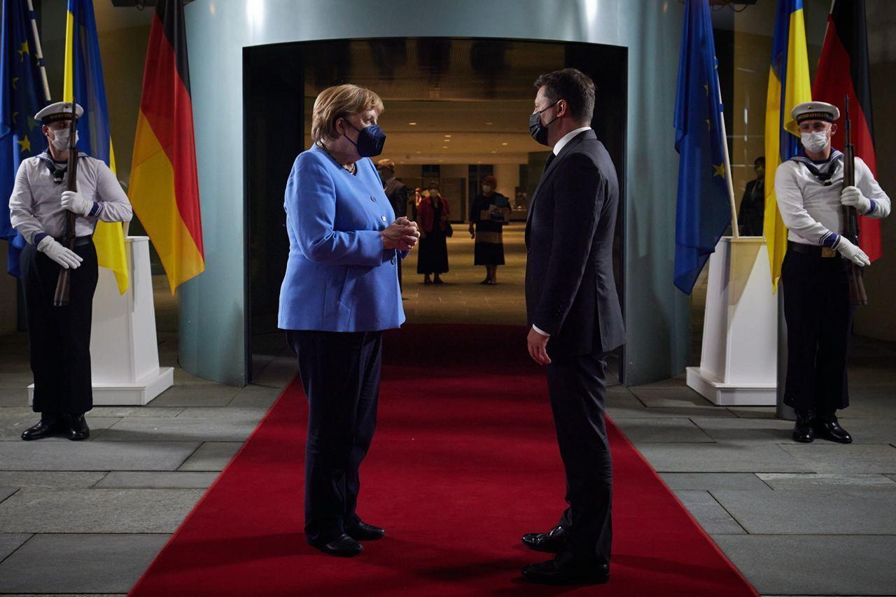 Зеленский и Меркель после встречи.