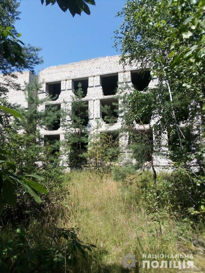 Тіло хлопця знайшли в покинутій будівлі.